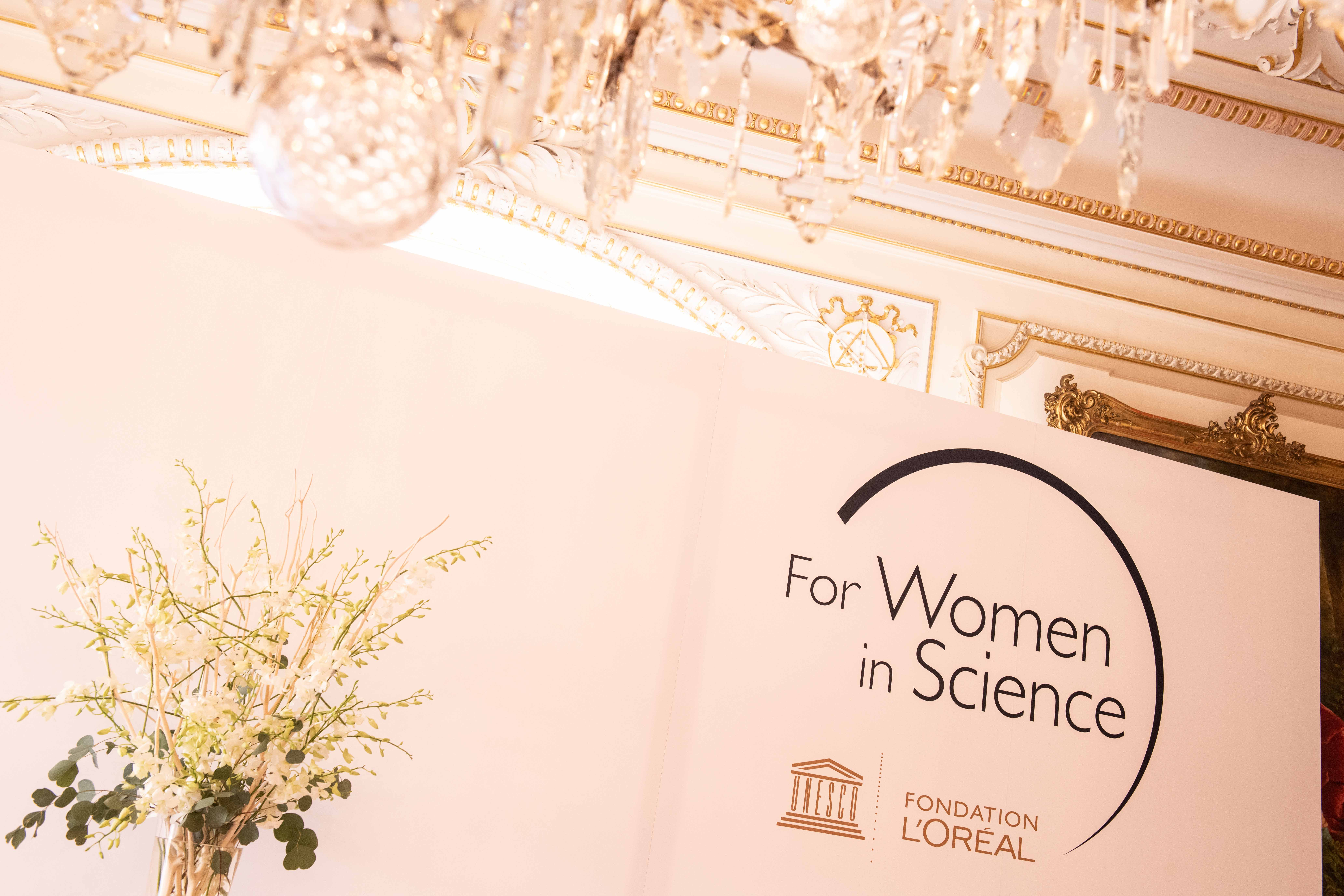 Registration to the 15th year of L'Oréal UNESCO For Women In Science, Czech Republic - talent program is closed.